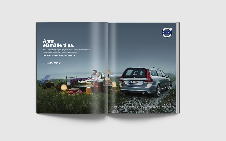 Volvo V70 Spread